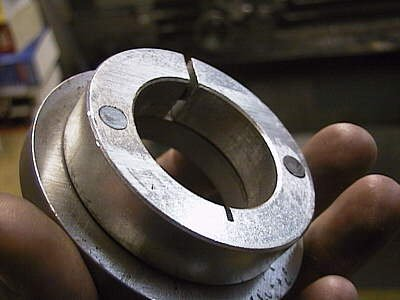 Weapon shaft clamping collar